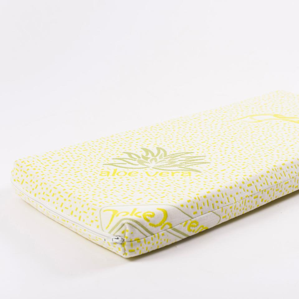 Two kinds of mattresses are available with the Foldo Bebe, both made with memory foam, and with either an Aloe Vera or Organic Cotton cover