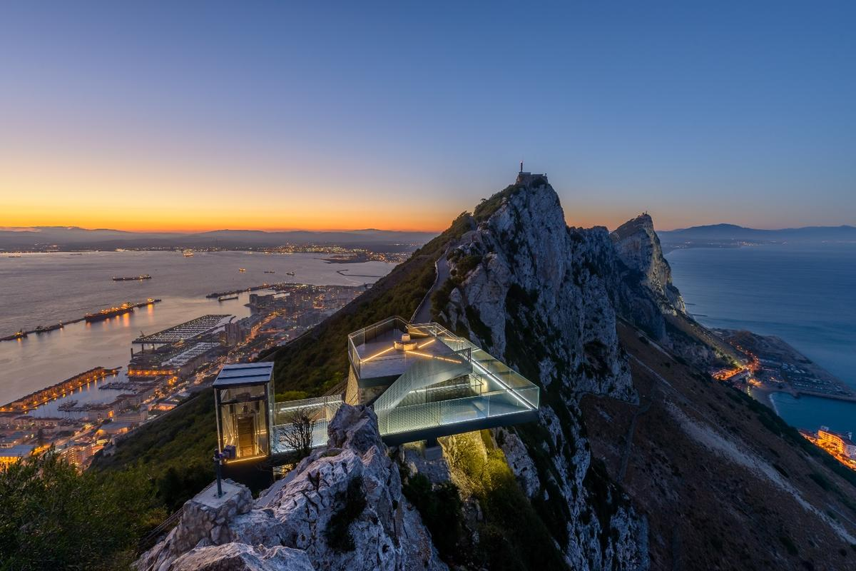 The Skywalk is located 340 m (1,115 ft) above sea level