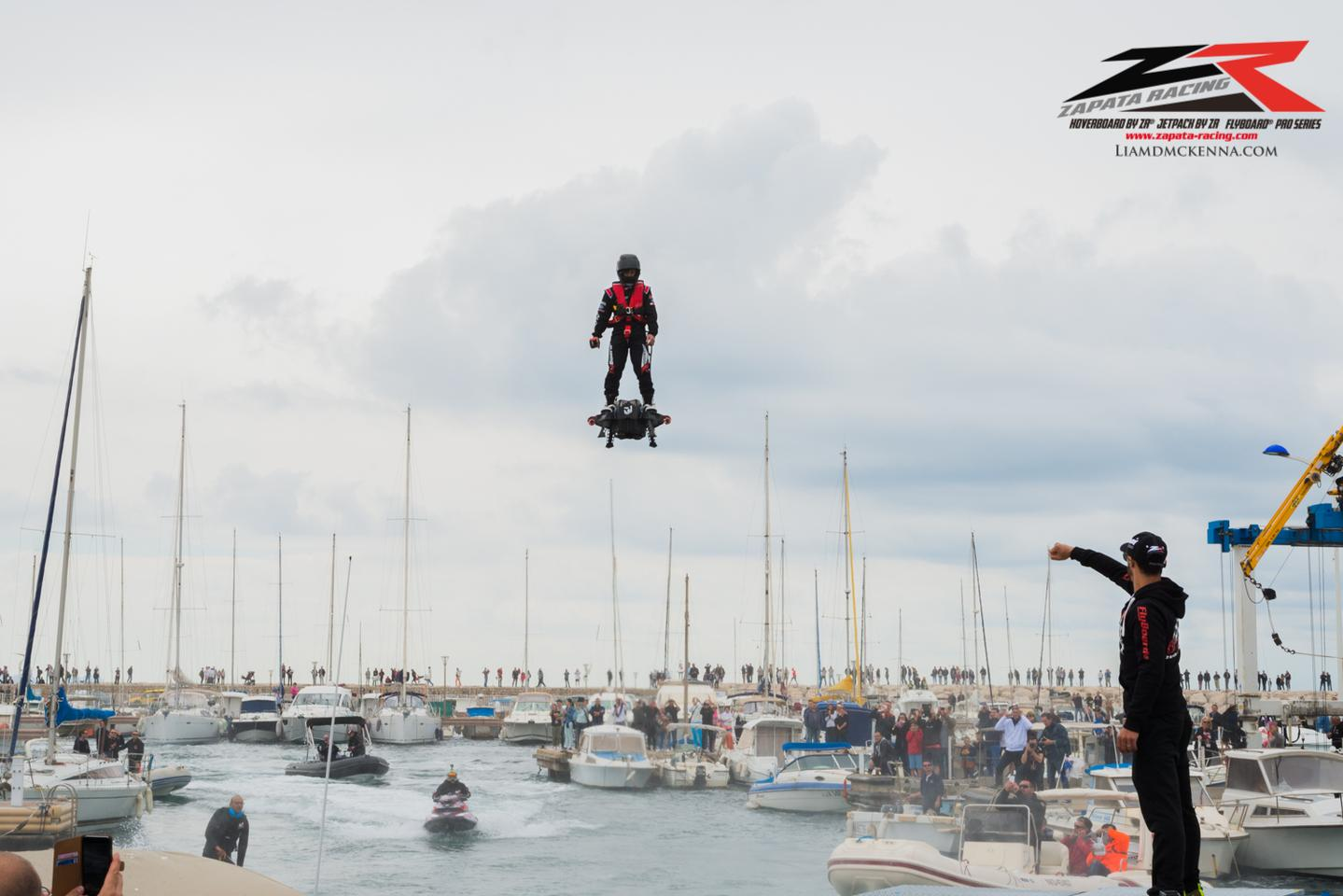 Official photo showing Franky Zapata coming in to land at Sausset-les-Pins in the south of France