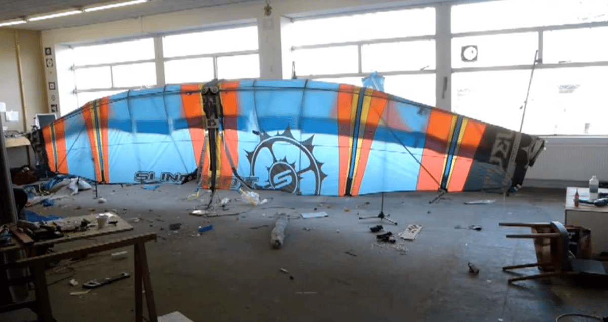 The wings at rest in Smeets' workshop not long before the first test flight