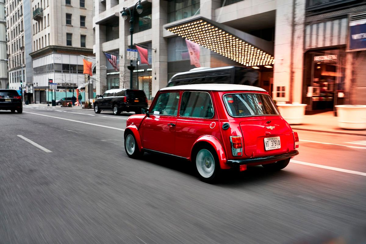Classic Mini Electric concept: on the streets of NYC