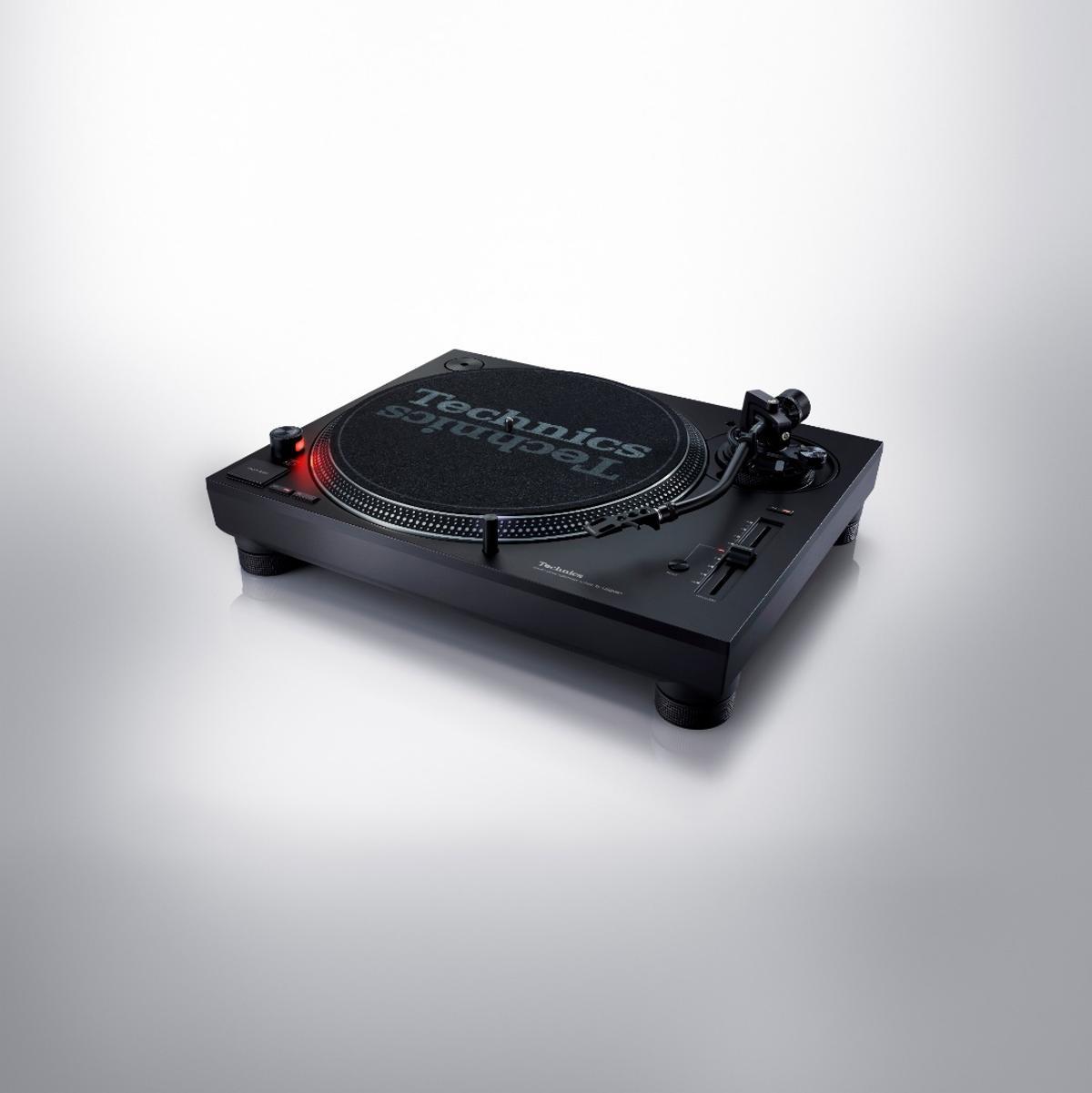 Technics has added a few DJ tools to the SL-1200MK7 turntable