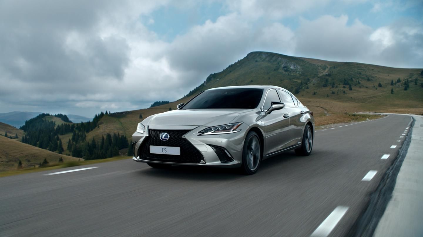 The car starring in the new AI-written ad, the Lexus ES