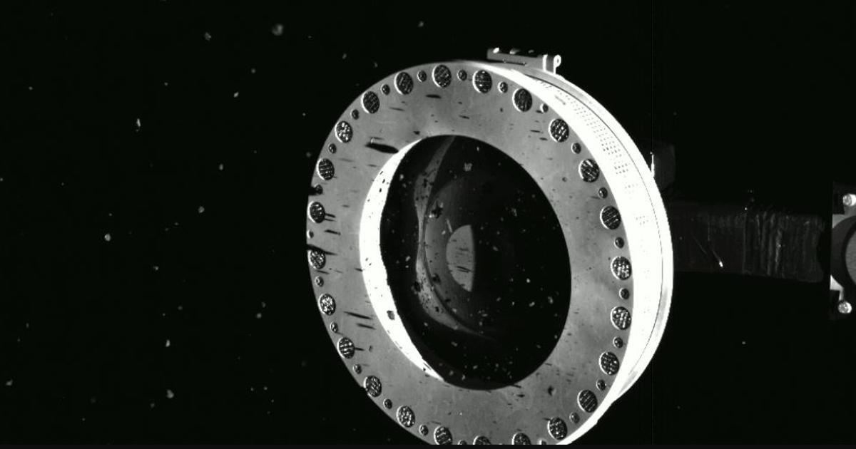 OSIRIS-REx is leaking asteroid samples due to jammed lid