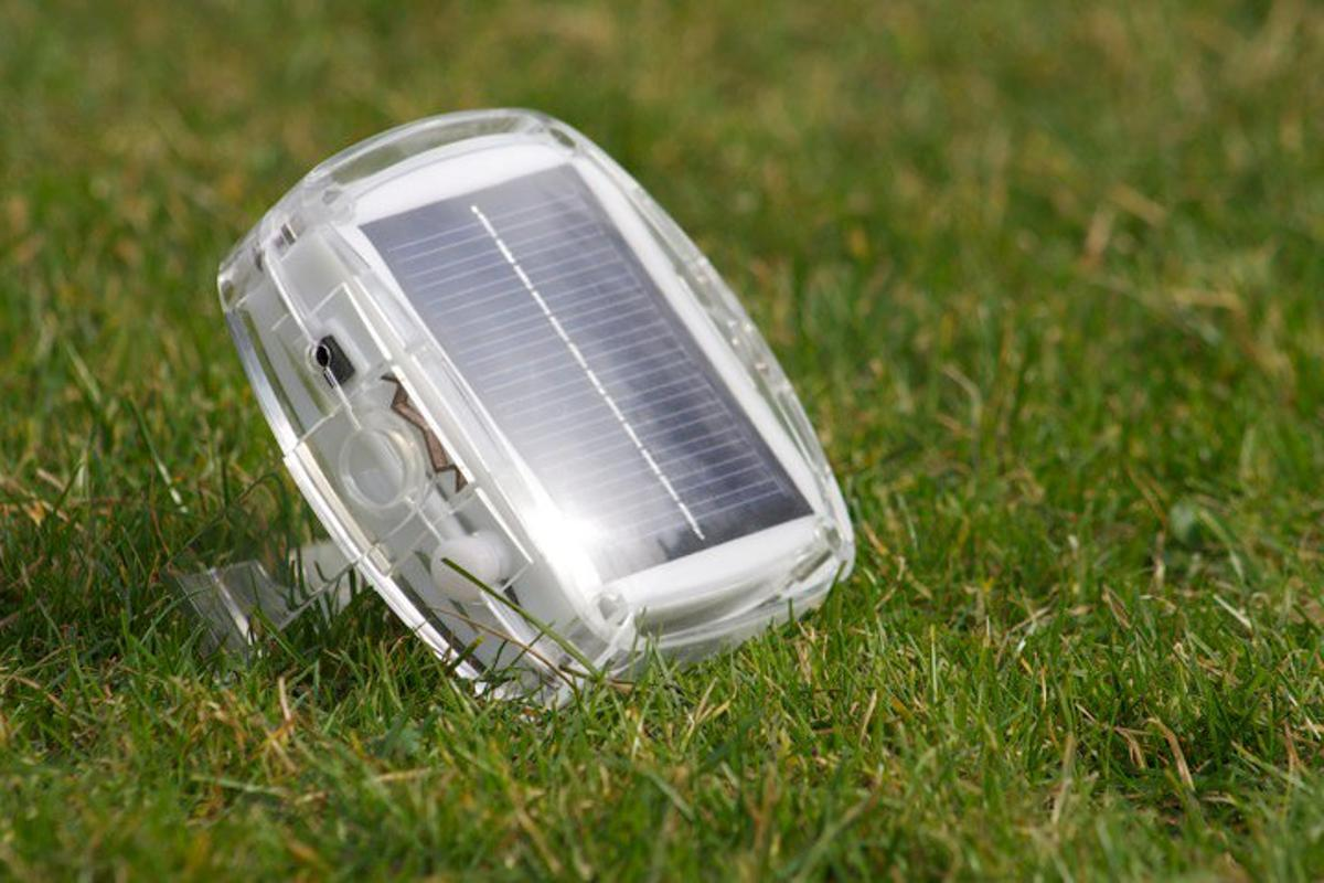 Plus Minus' Solar Pebble rechargeable lamp