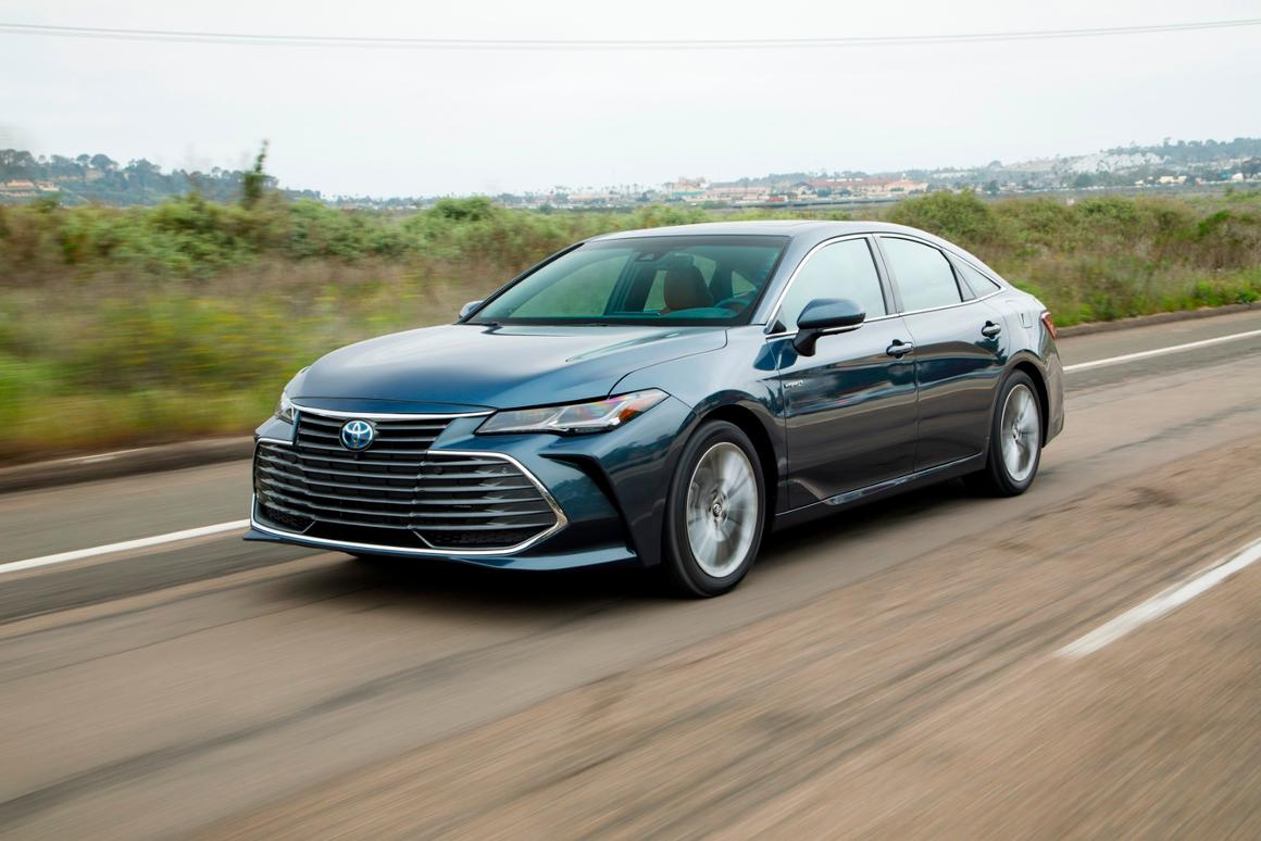 Review: 2019 Toyota Avalon Hybrid is worth the premium