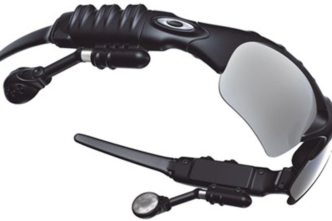 koko kokoelma luonteen kengät paras myynti Thump' sunglasses with integrated MP3 player