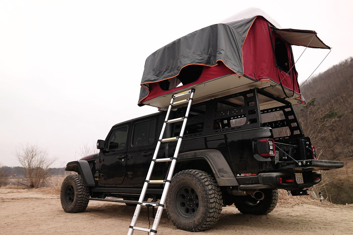 South Korean startup TEDS presents a unique spin on the expanding hardshell rooftop tent