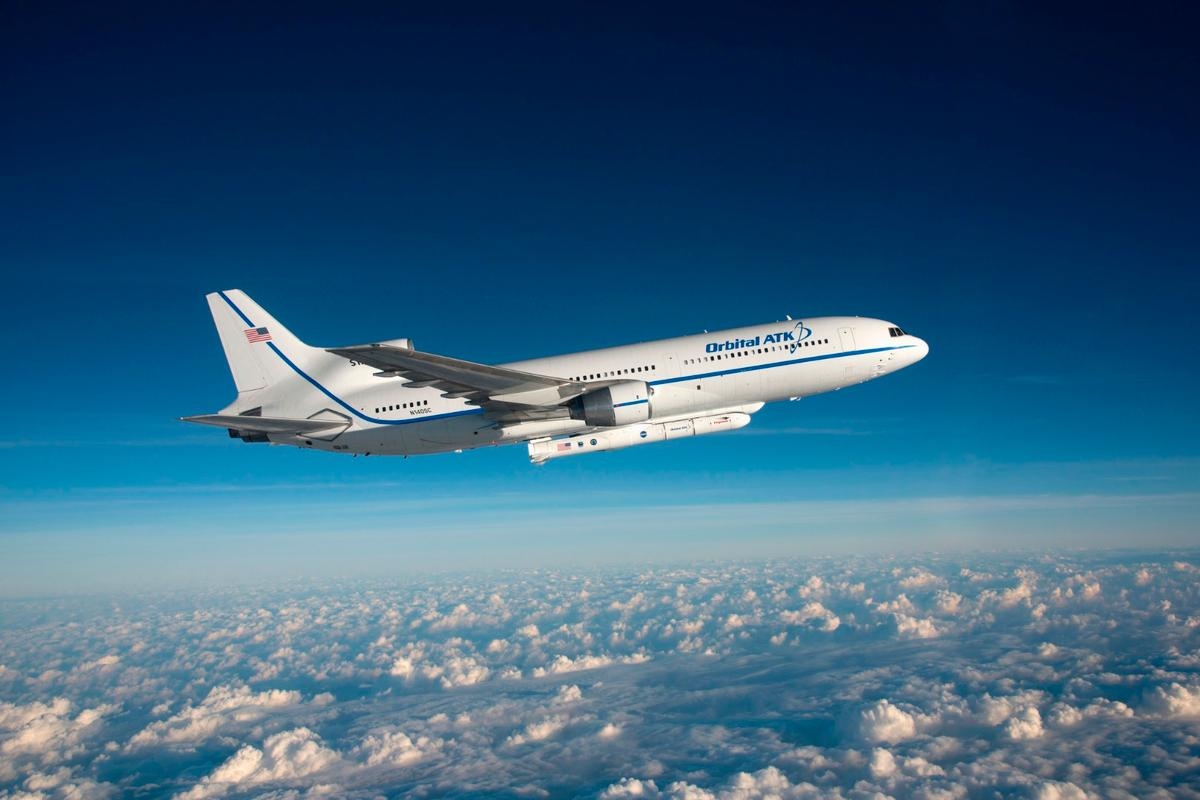 A modified Orbital OTK L-1011 Stargazer aircraft carryied a Pegasus XL rocket to a launch altitude of 39,000 ft (11.900 m) over the Atlantic Ocean