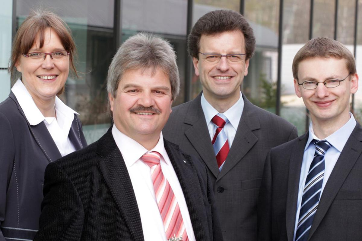 Dr. Simone Kondruweit, Dr. Lothar Schafer, Dr. Markus Hofer, Markus Armgard of IST where the DiaCer coatings and systems were designed (Image: Fraunhofer/Dirk Mahler)