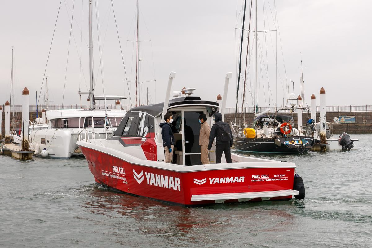 An EX38A pleasure craft was used to prototype the marine fuel cell system, which makes use of modules from Toyota's Mirai fuel cell car