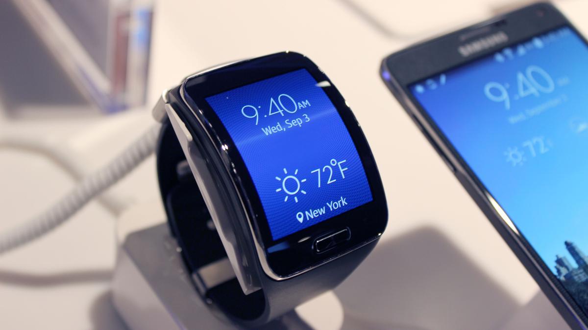 Samsung Gear S (Photo: Will Shanklin/Gizmag.com)