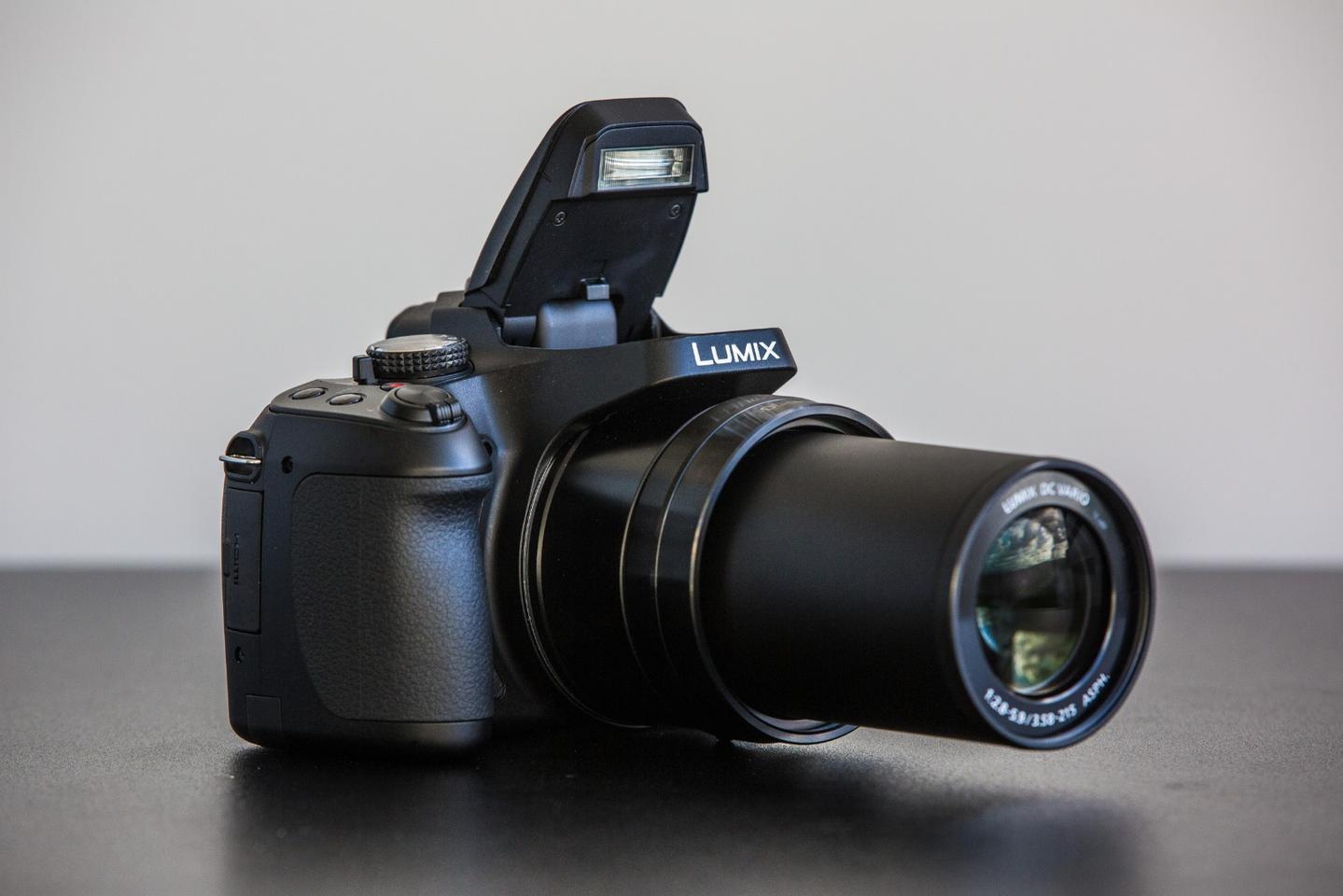 Panasonic DC-FZ80: it's happy to see you