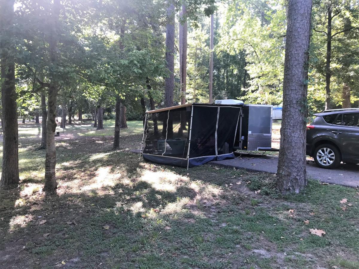 Cargo Camp trailer with screen room