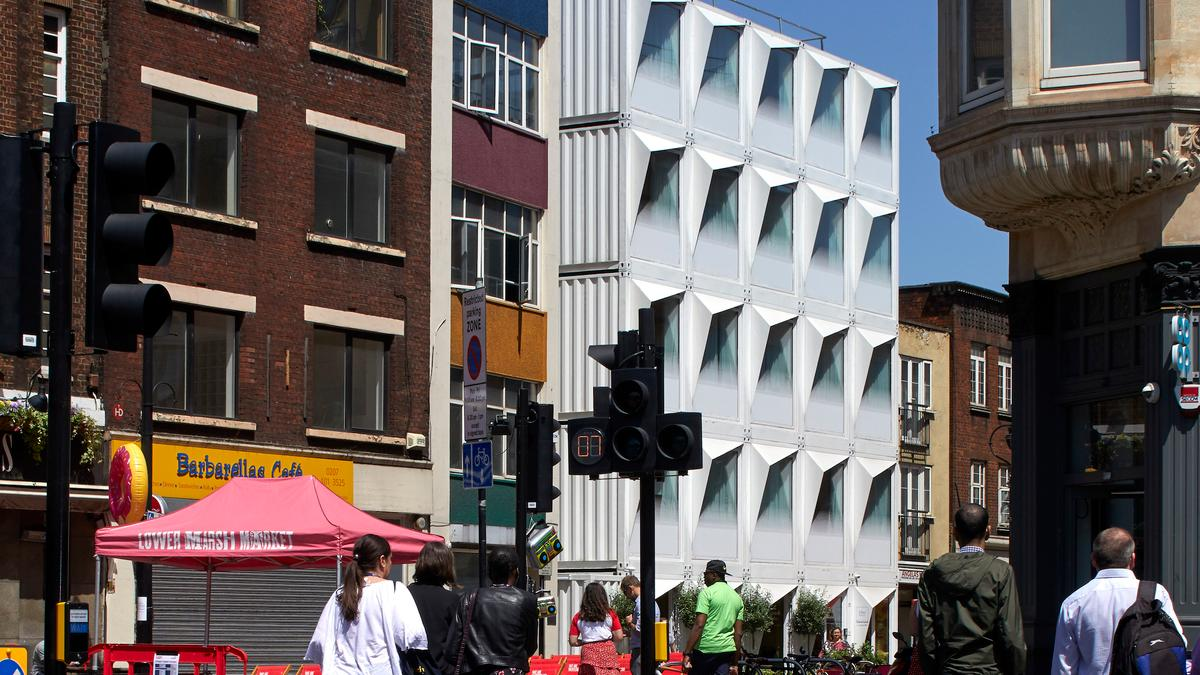 Shipping containers stacked five high to create London hotel