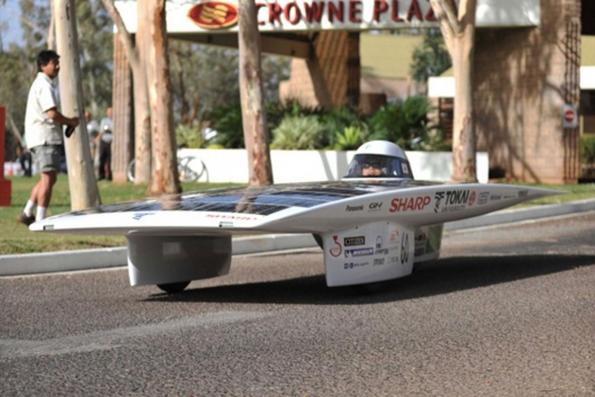 Japan's Tokai Challenger solar vehicle has taken victory in the Global Green Challenge