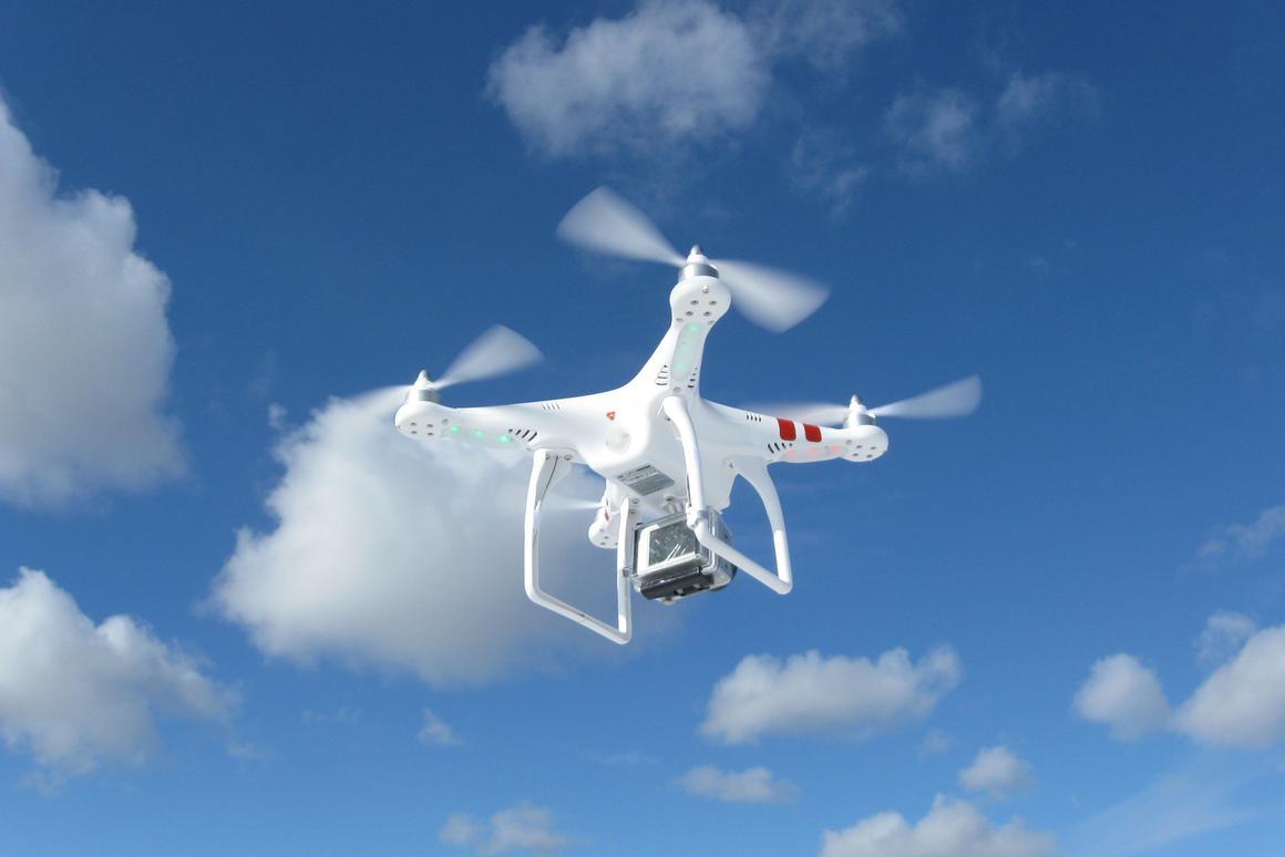 Gizmag reviews the DJI Phantom quadcopter