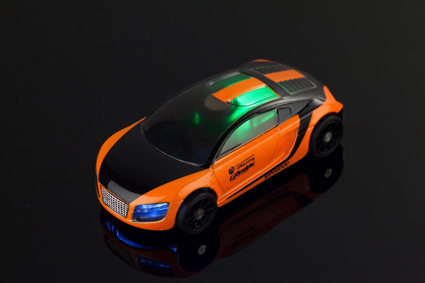 Pocket Racing cars have lights that change with the car's speed in the game