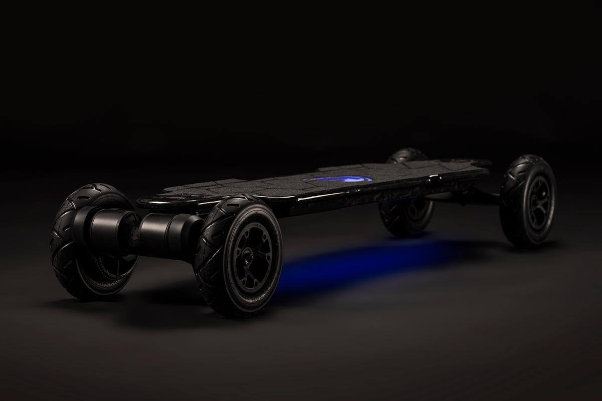 The new Hadean electric skateboard from Evolve has a top speed of 31 mph (50 km/h)