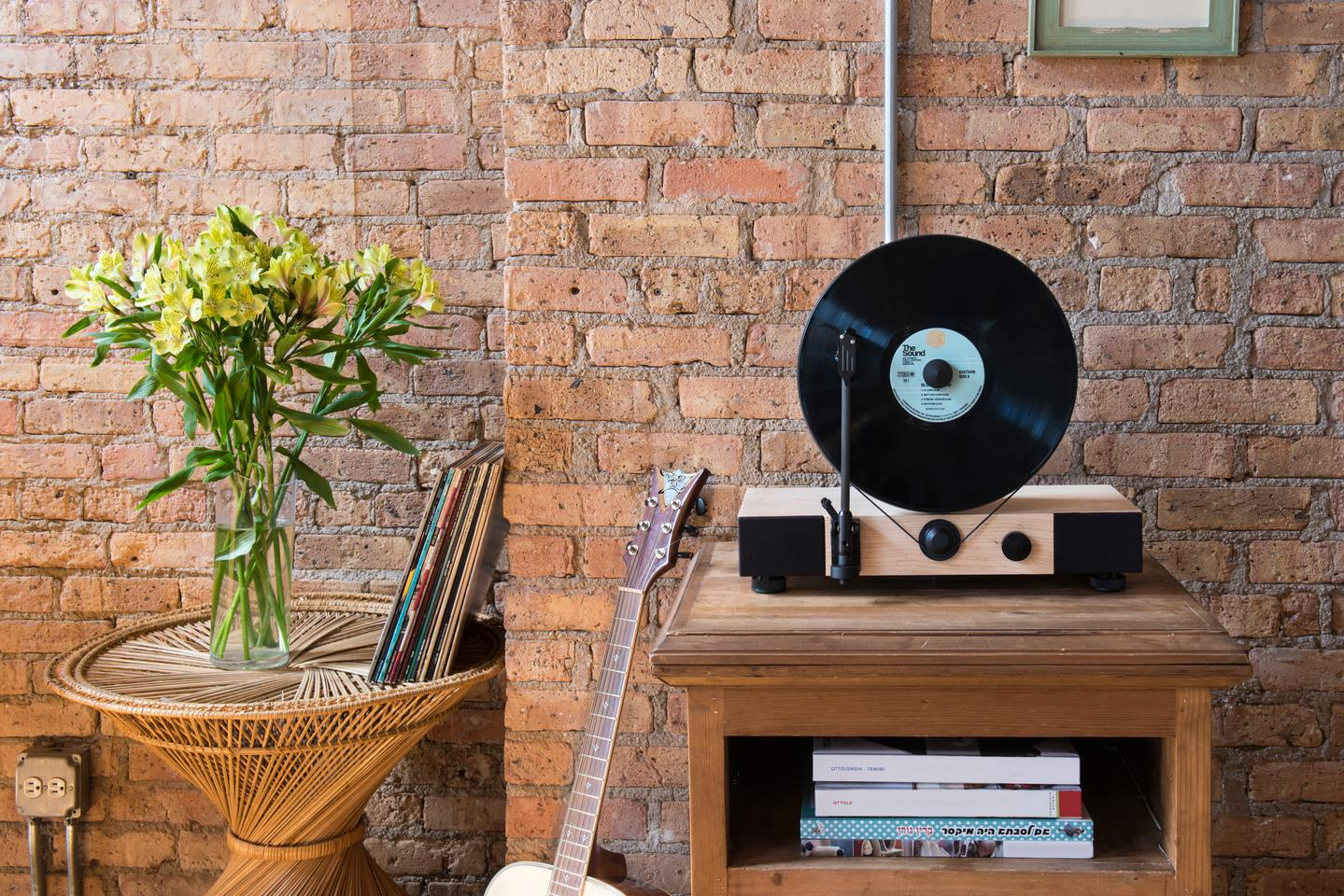 The Floating Record from Gramovox