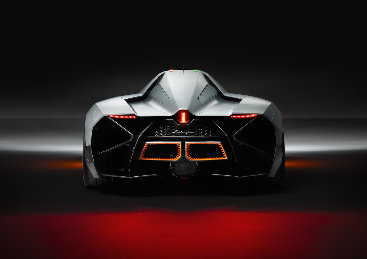 The Egoista's open rear-end reduces weight and gives an aggressive look