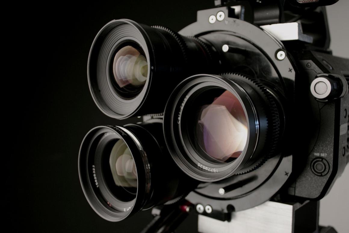 The MultiTurret allows modern film makers to quicklyswap between three lenses without needing the help of an assistant