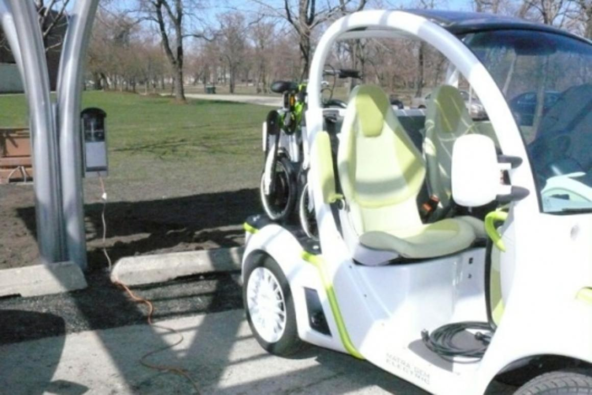 Chicago shows off its solar recharging stations for electric vehicles
