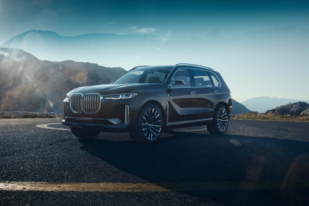 The BMW X7 iPerformance is a gargantuan vision for the future of BMW SUVs