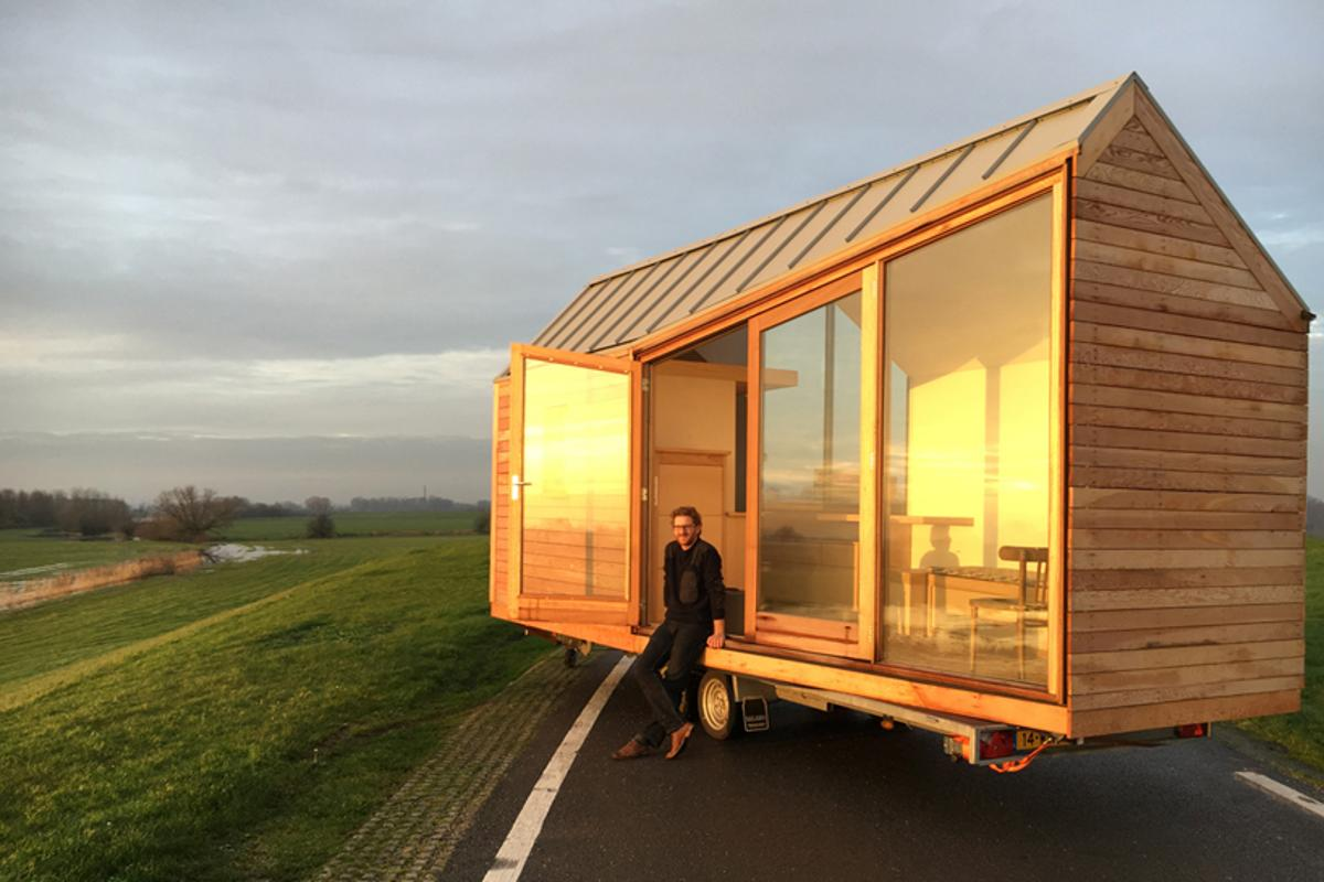 Dutch designer and tiny house enthusiast Daniel Venneman has recently completed a new tiny home on wheels