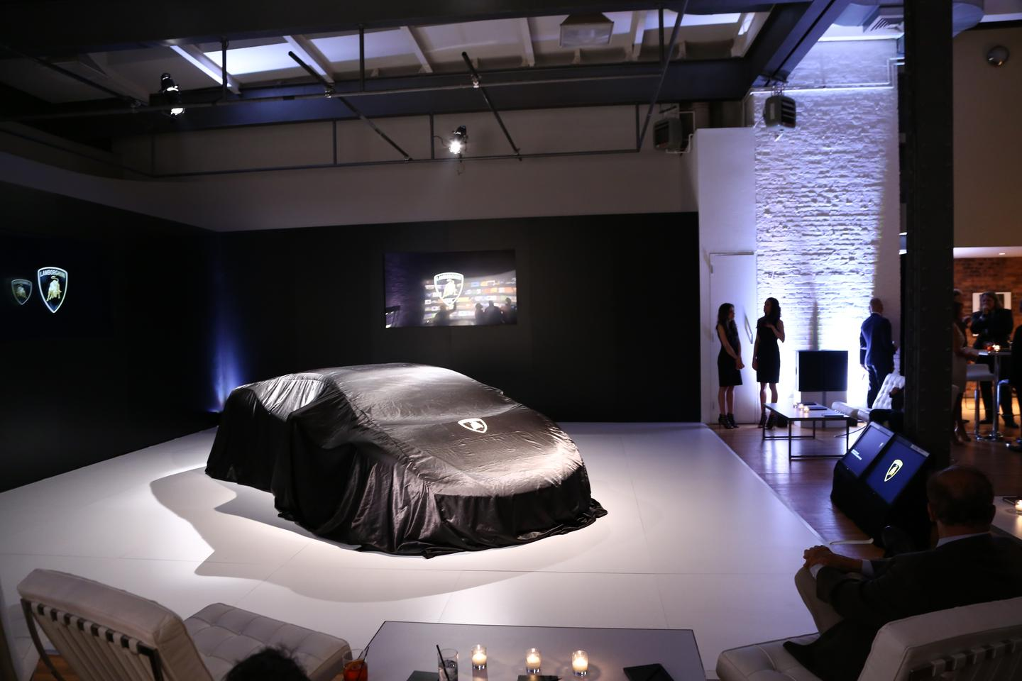 The new Huracán prior to its unveiling at a private event in New York City last week (Photo: Angus MacKenzie/Gizmag.com)
