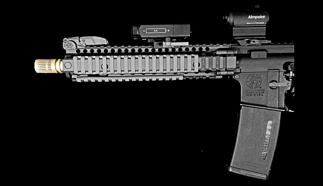 An AR-15 pistol equipped with an Auxetic muzzle break (Photo: Sintercore)