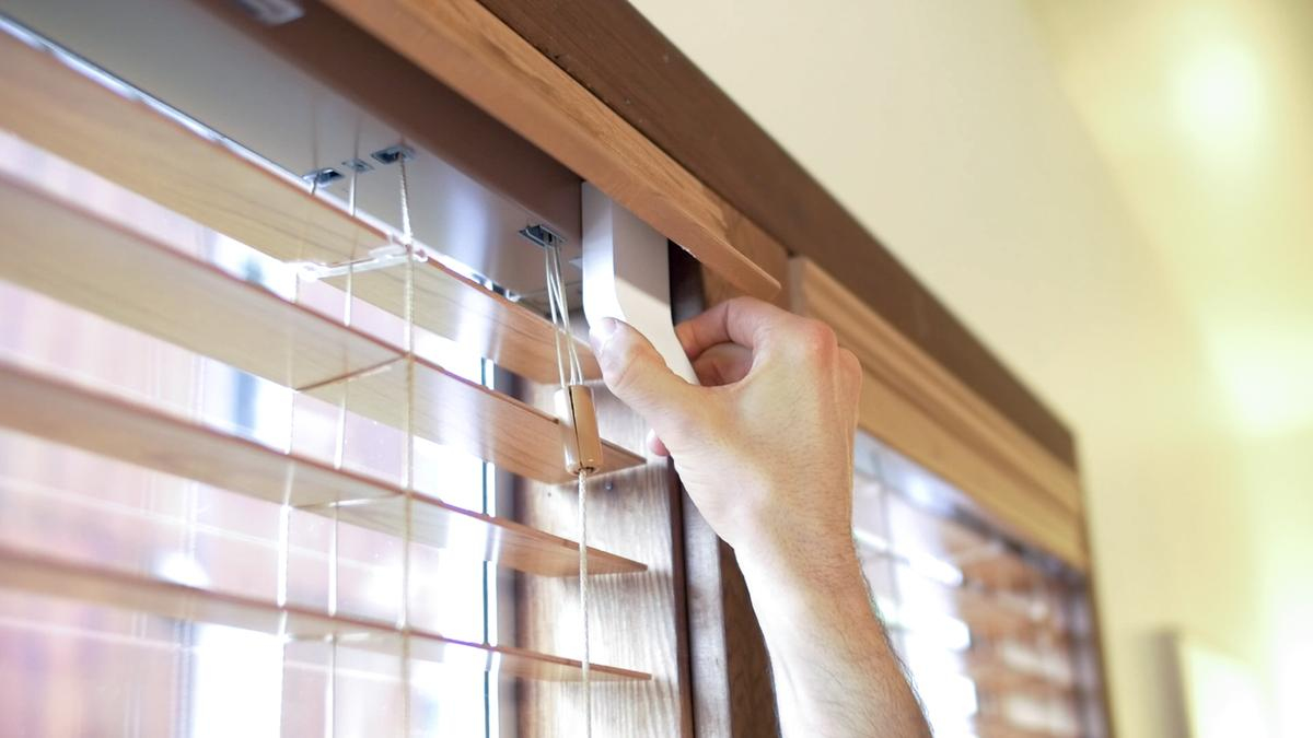 Users need only to detach the existing wand that is used to open or close blinds, and attach the FlipFlic