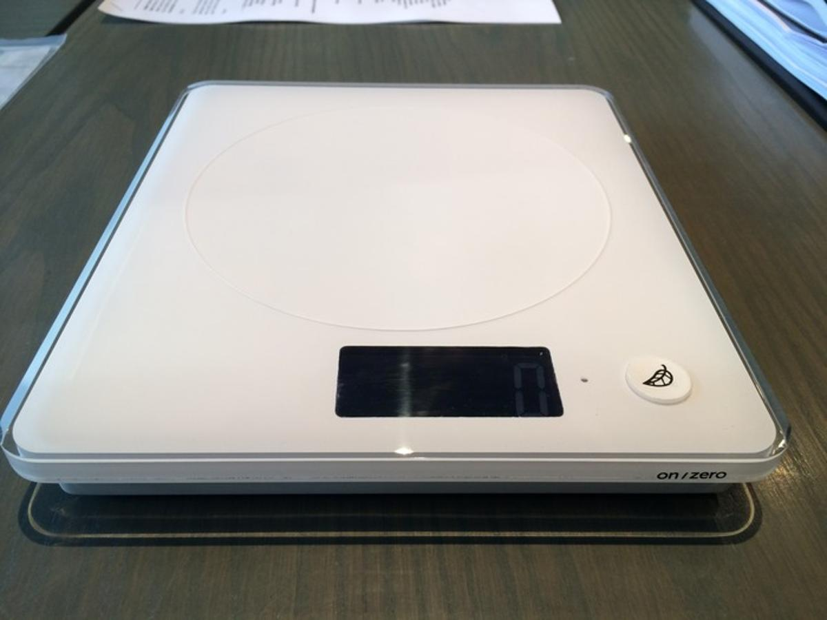 The SITU Scale allows users to weigh food while also getting nutritional information on their meal
