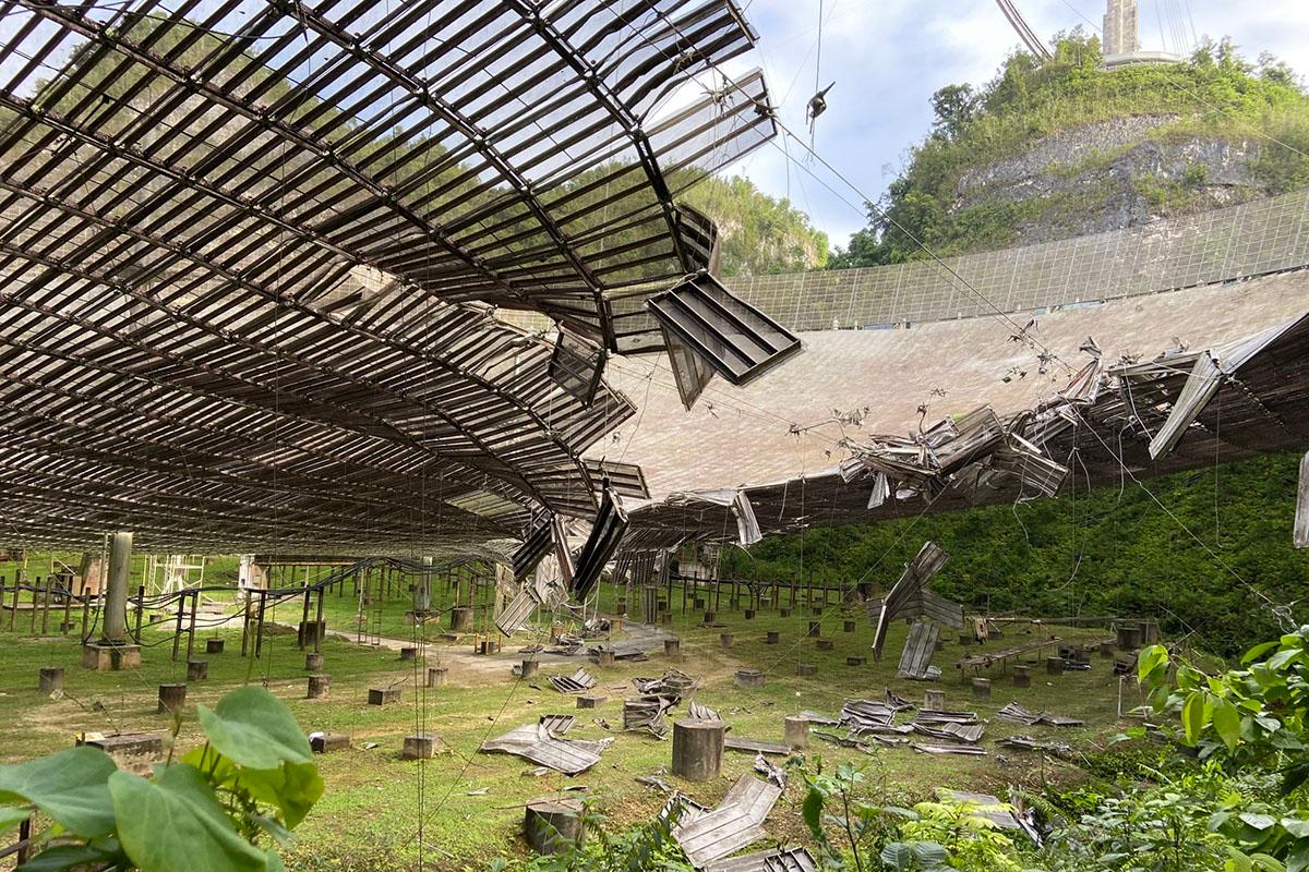 The damage caused to the Arecibo Observatory by a broken cable