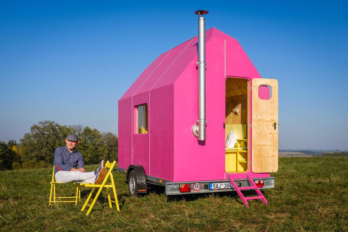DIY tiny house can be built for around $10,000 Tiny Mobile Home Polystyrene on 1000 sq ft. small homes, 400 sq ft. small homes, tiny key west homes, busses from tiny homes, tiny pueblo homes, mini custom homes, pod homes,