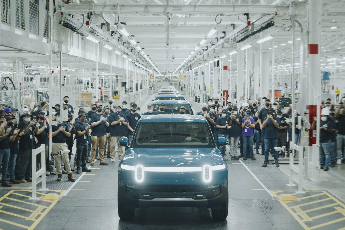 The first Rivian R1Ts are now on their way to customers