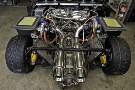 Modified Nissan V6 engine