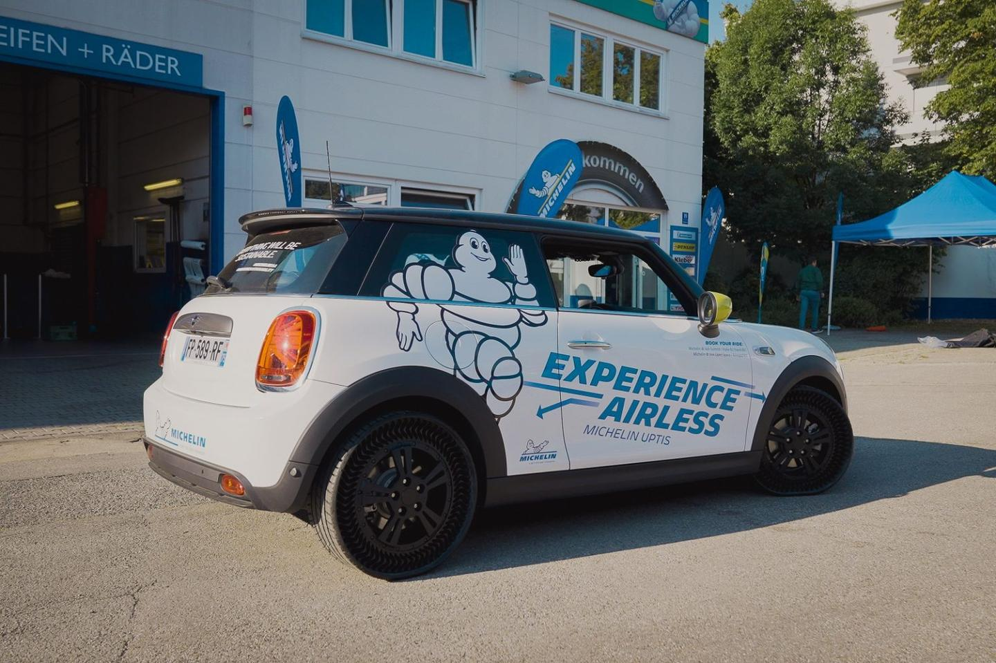Michelin took members of the public out to experience what turned out to be a pretty standard driving experience on the Uptis tires