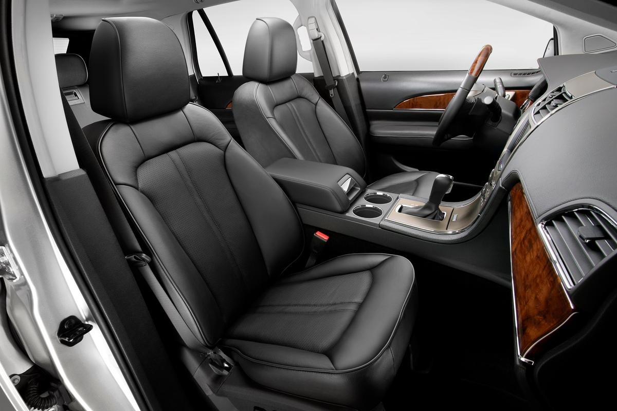 The 2014 Lincoln MKX will incorporate Cellulose Reinforced Polypropylene in its center console armrest