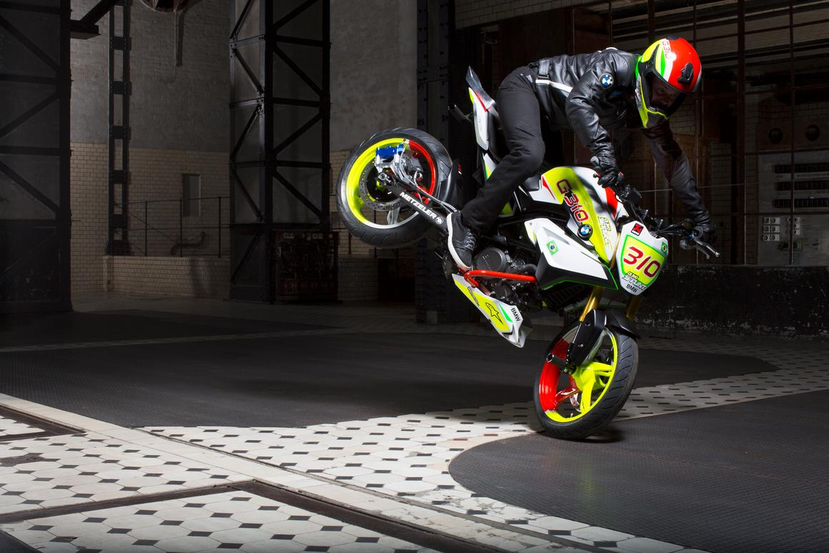 Christian Pfeiffer rides the BMW Concept Stunt G 310: rolling stoppie