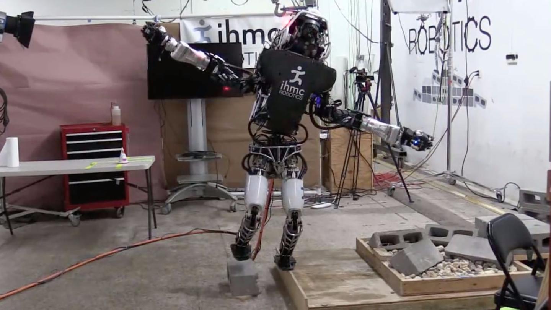 Boston Dynamic's Atlas robot balances on a 2cm-wideboard courtesy of an algorithm from IHMC