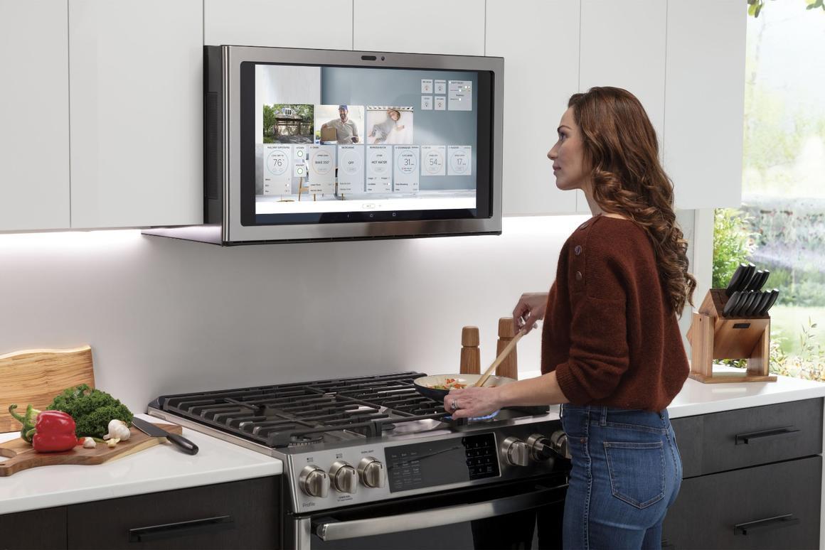 Ge S Kitchen Hub Touchscreen Rangehood Lets You Netflix And