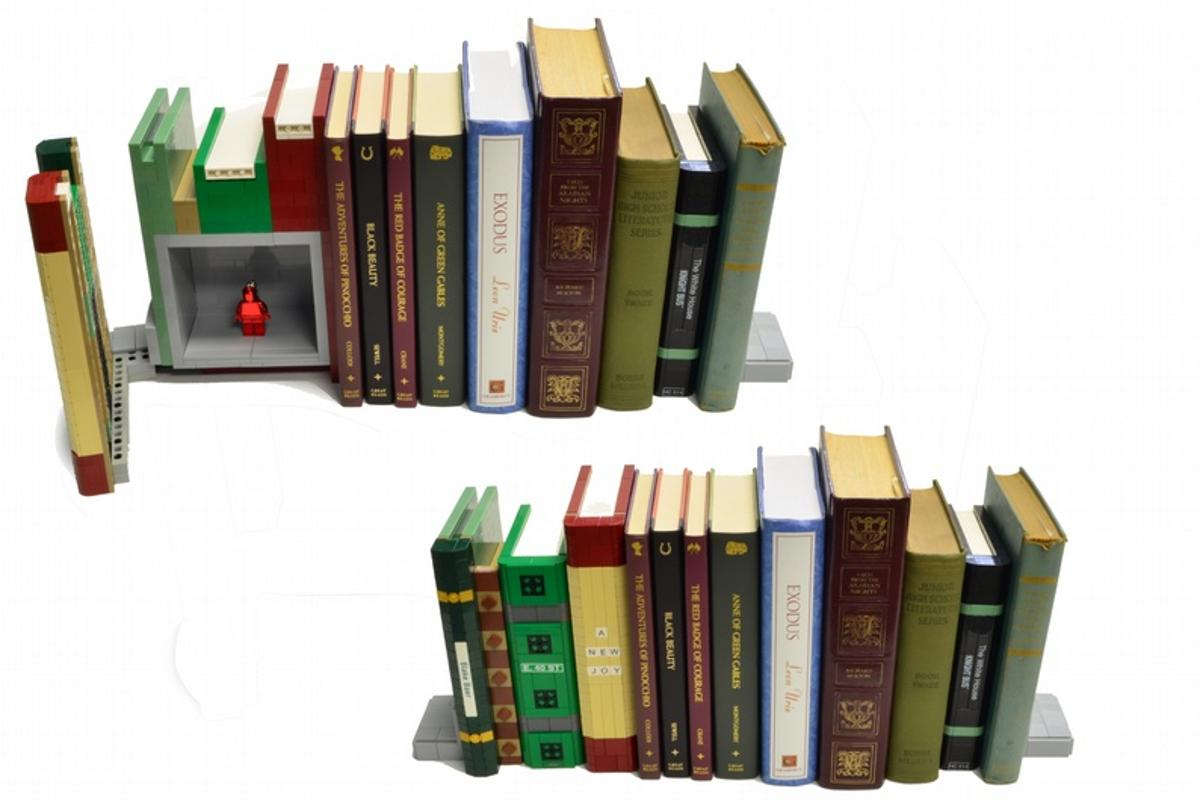 The LEGO bookend safe