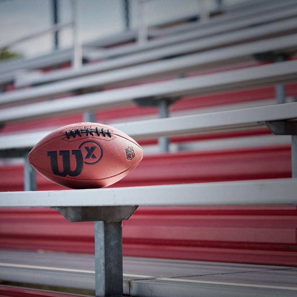 The Wilson XConnected Football uses inbuilt accelerometers to tracka variety of metrics