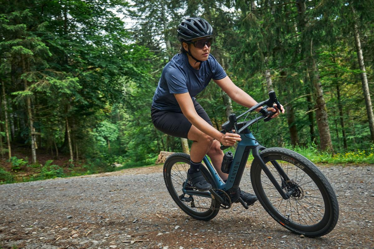 The Grail:ON's double-decker handlebars offer a bunch of different riding position options