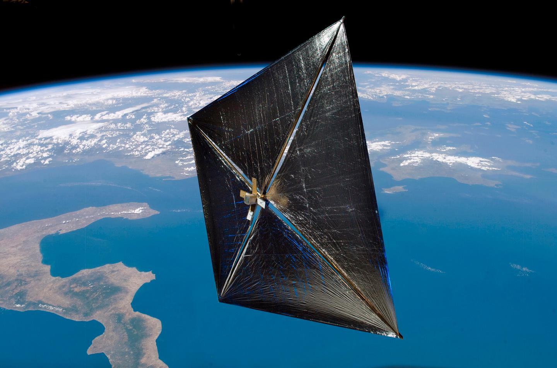 An artist's concept of a solar sail in Earth orbit (Image: NASA)