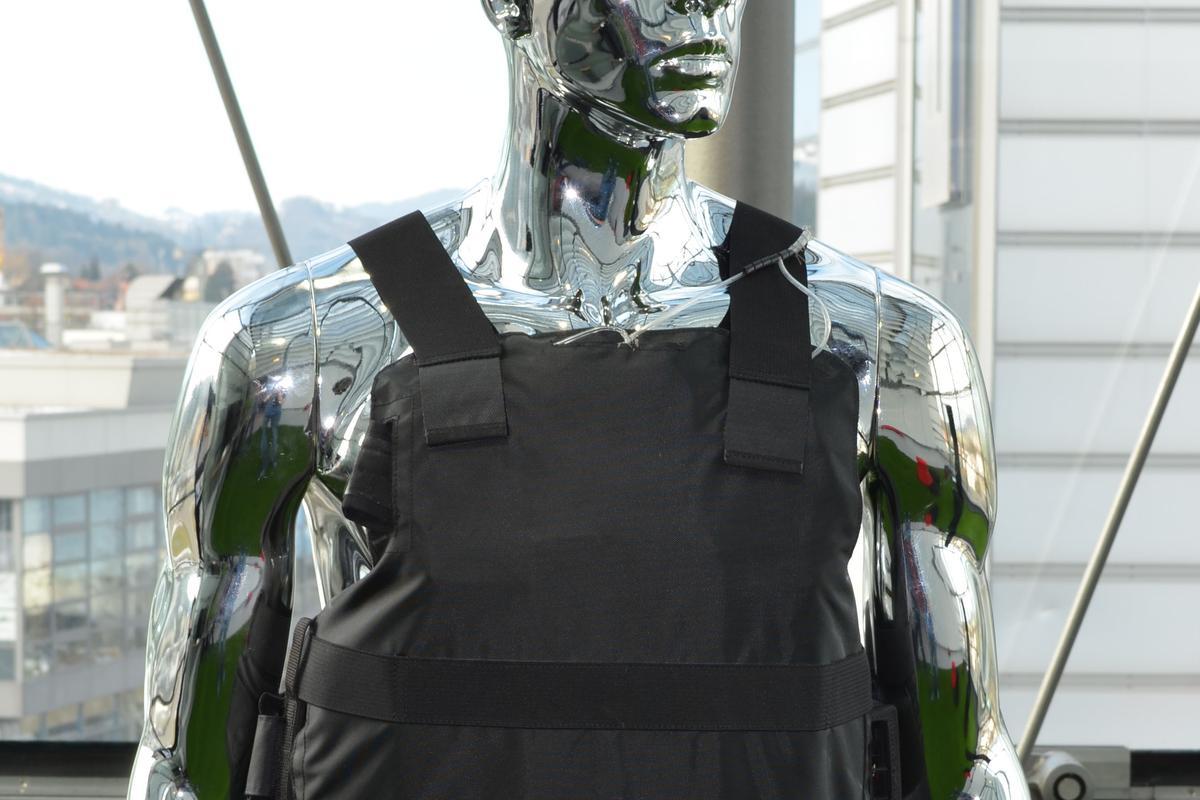 Empa's air-conditioned bulletproof vest