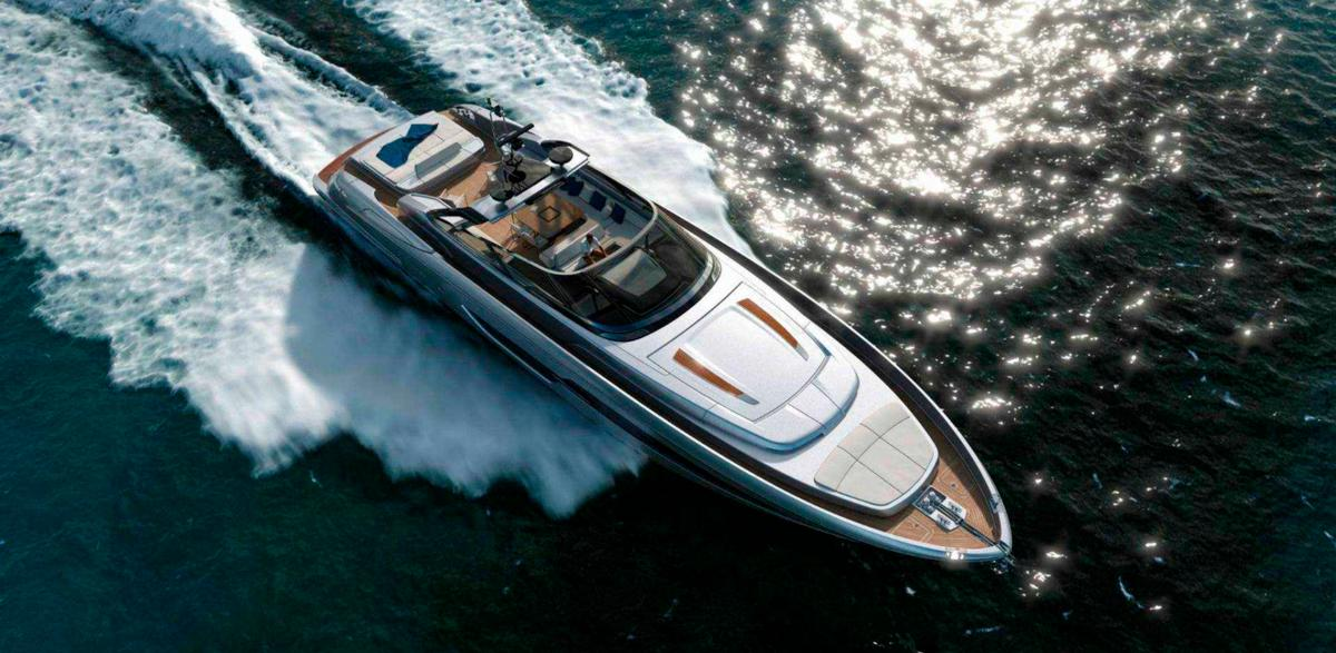 The 88 Florida makes use of a new Convertible Top system to provide both open and closed configurations