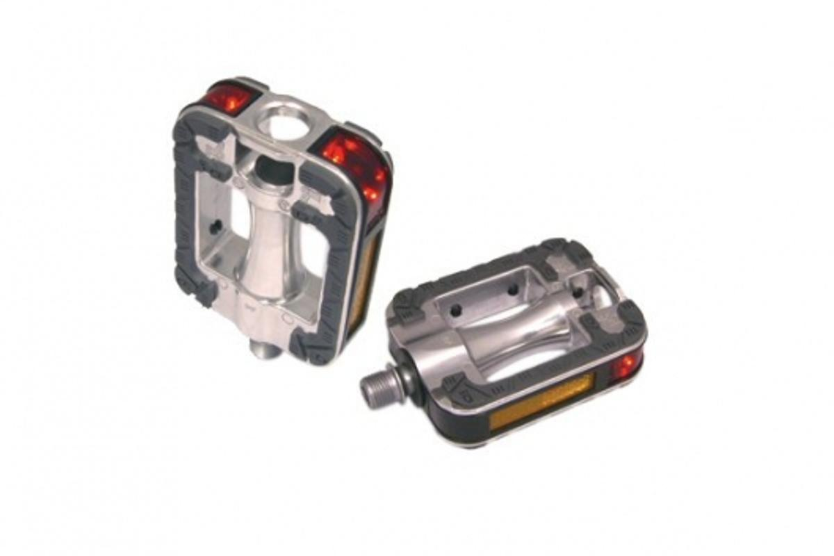 The Dosun J-1 LED safety pedal, helps you to be seen from all directions