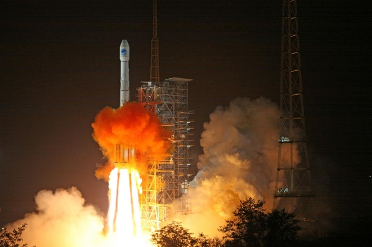 The LM-3C launch vehicle carrying a Beidou satellite into orbit in November, 2010 (Photo: China Academy of Launch Vehicle Technology)
